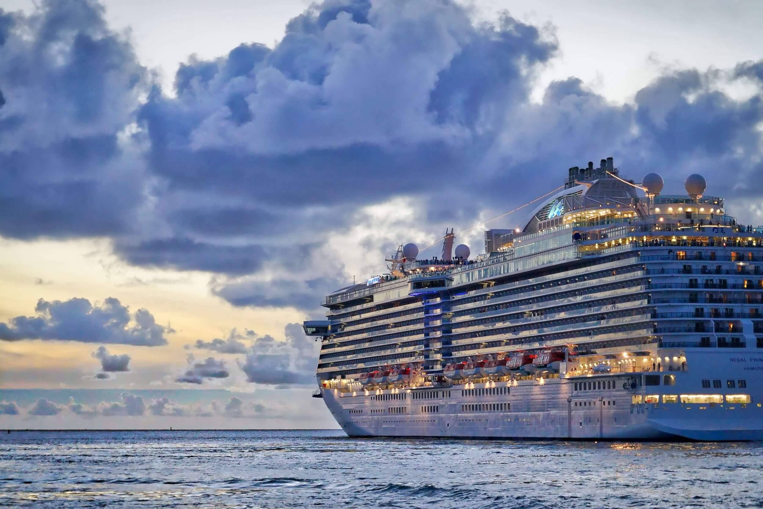 Peter Hansen Cruise Ship Photo